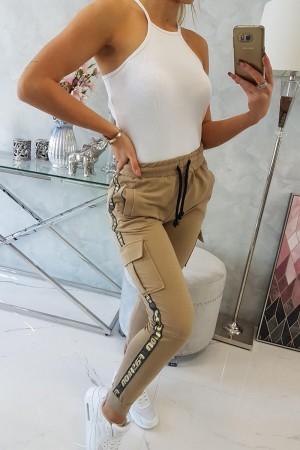Pantaloni de dama cargo camel cu buzunare