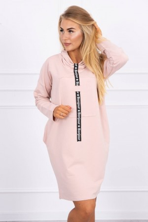 Rochie roz casual-sport cu guler si snur decorativ