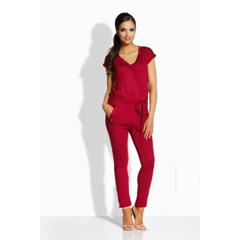 Salopeta dama cu aspect petrecut si pantaloni trei sferturi bordo