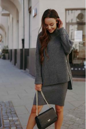 Compleu tricotat cu fusta gri-inchis